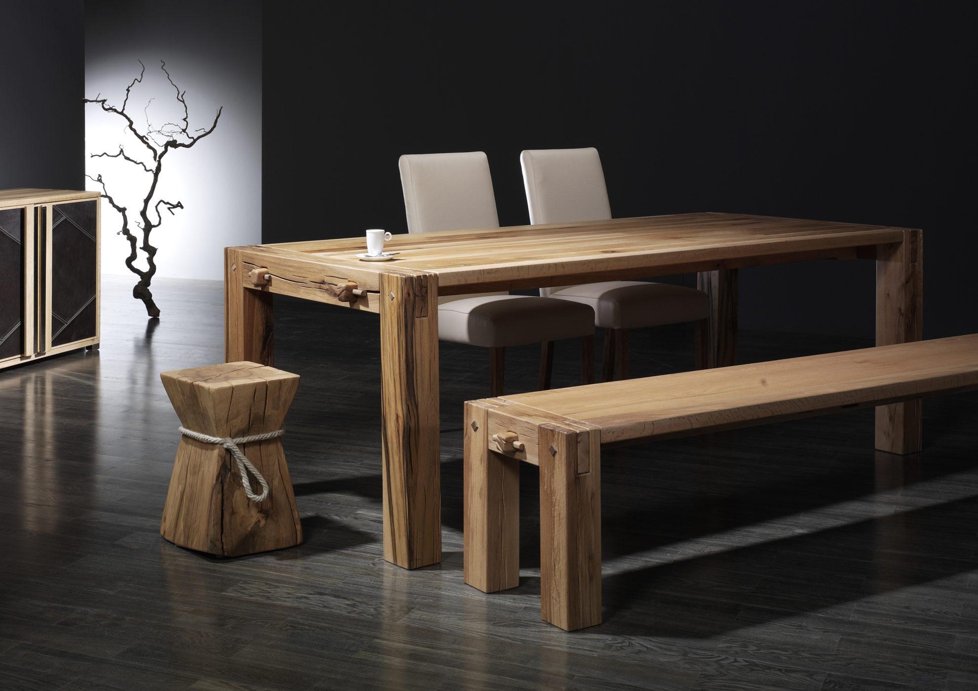 balken tisch und balken bank sumpfeiche sprenger m bel. Black Bedroom Furniture Sets. Home Design Ideas